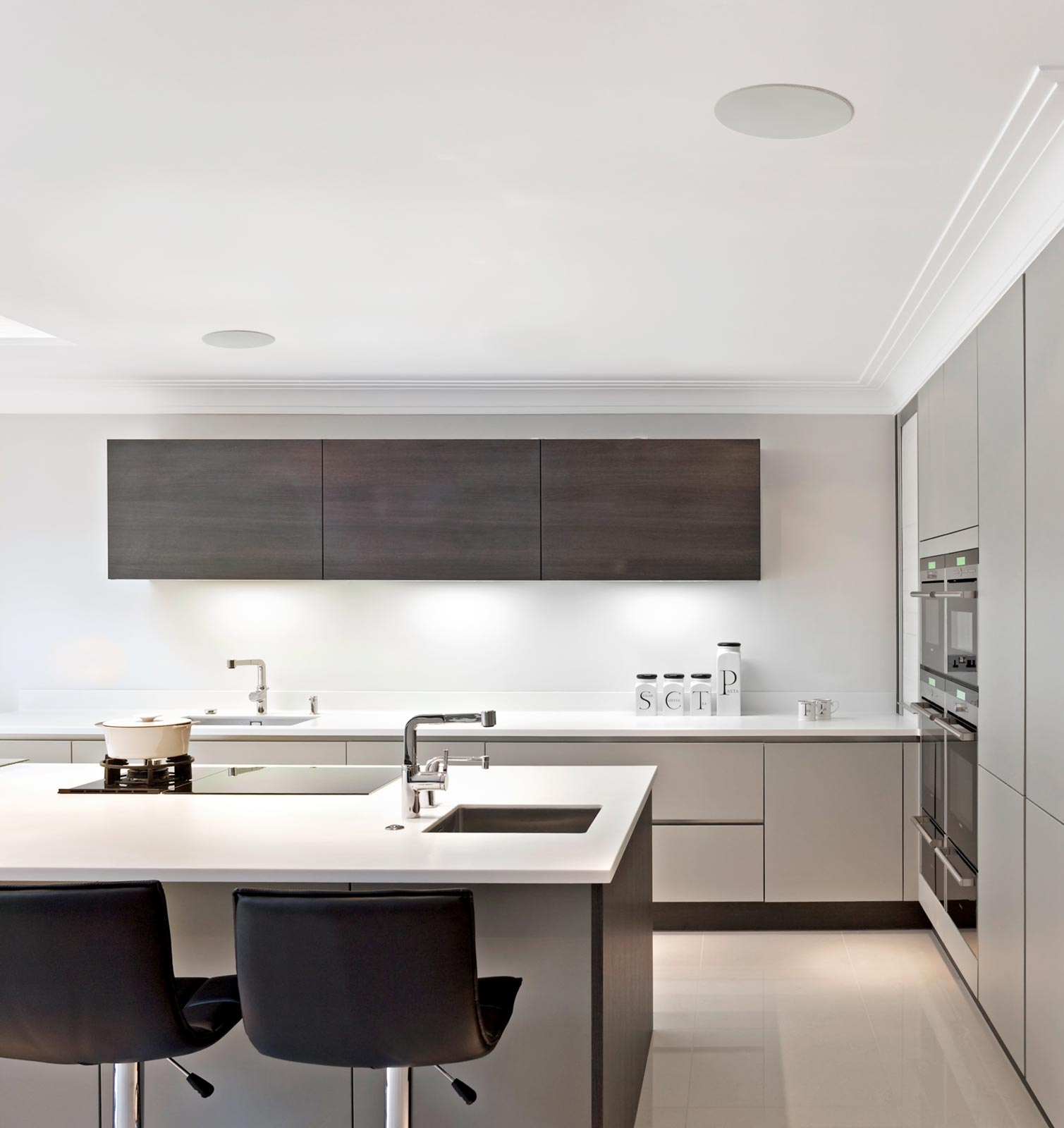 Helos Speakers Installed in a Modern Kitchen