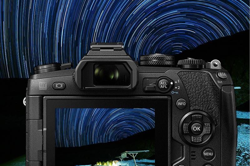 Image of Camera taking star trails photo.